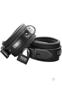 Tom Of Finland Neoprene Ankle Cuffs With Lock Black